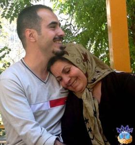 Hossein Ronaghi & mom